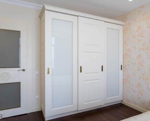 Шкаф-с-раздвижными-фрезерованными МДФ-фасадами-1001