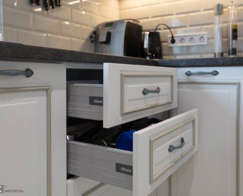 Ящики на кухне МДФ с патиной