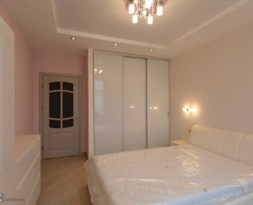 Мебель-встроеный шкаф купе в спальне