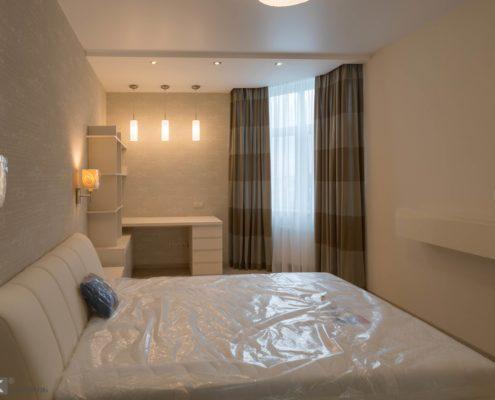 Спальня-в-бежевых-тонах-1001
