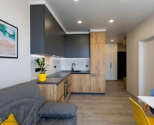 Кухня-без-ручек-под-потолок-1005