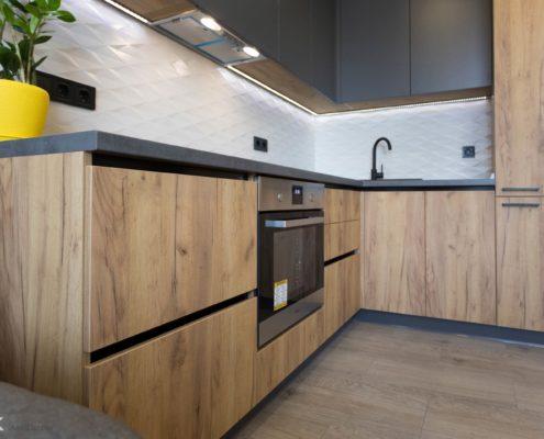 Фасады без ручек на кухне