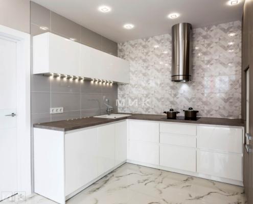 Кухня кутова з отдельновісящей витяжкою