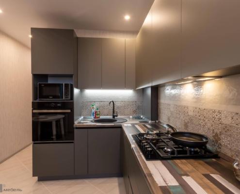 Кухня угловая с газовым котлом