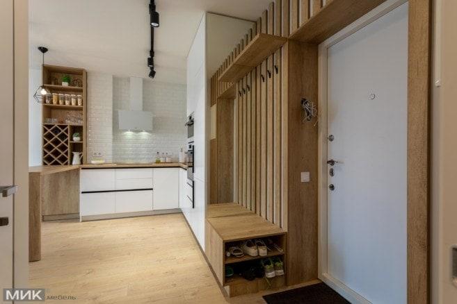 1-Прихожая переходящая в кухню