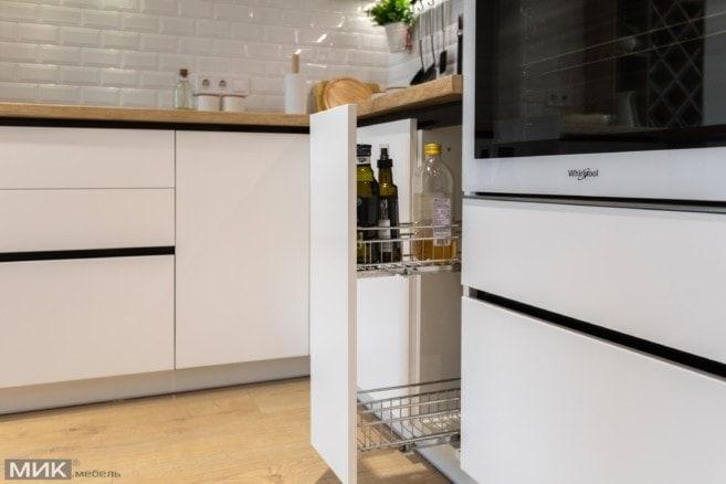 15-Карго Inoxa в белой кухне