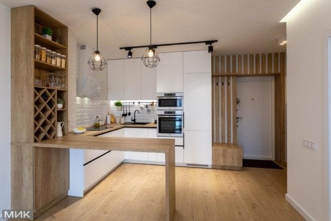 19-кухня с белыми фасадами под потолок
