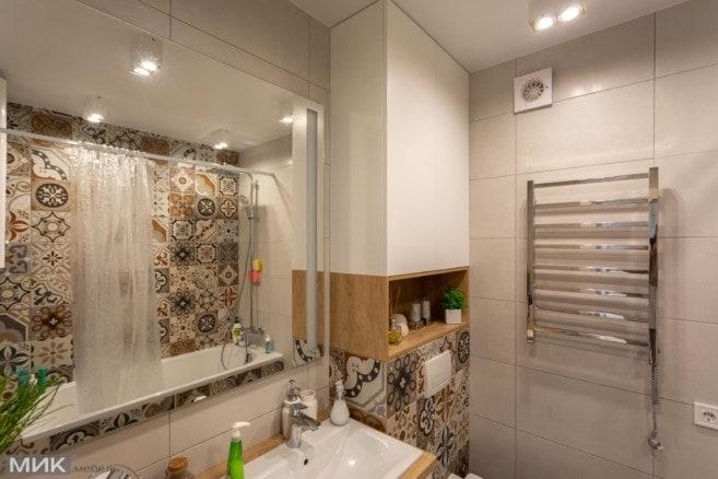 2-шкаф в ванной комнате из белого МДФ