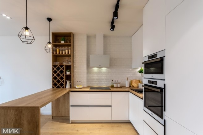 5-Белая кухня без ручек под потолок