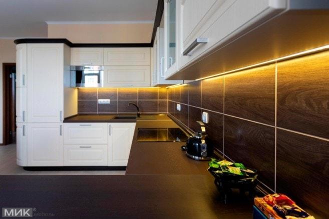 Кухня-МДФ-с-наружным-углом-и подсветкой